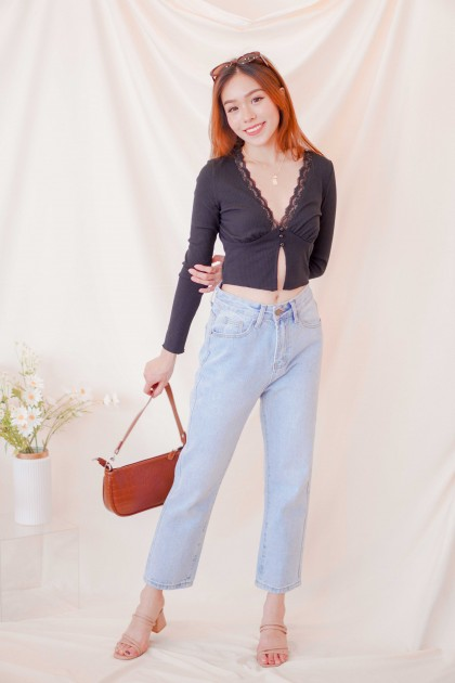 C5 - New Vintage High Waisted Jeans