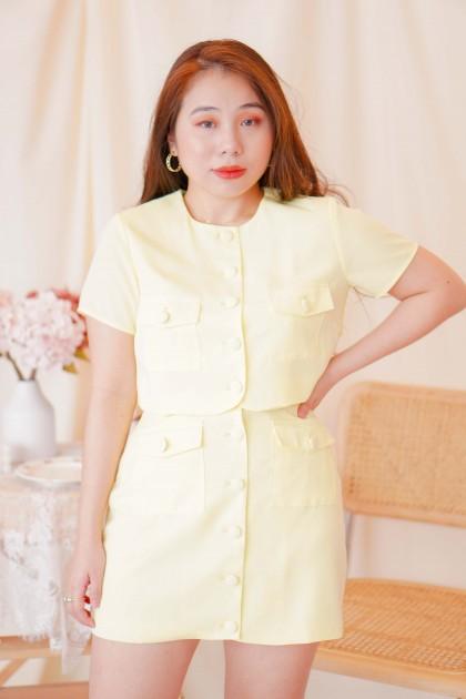 Modern Woman Button Skirt in Yellow